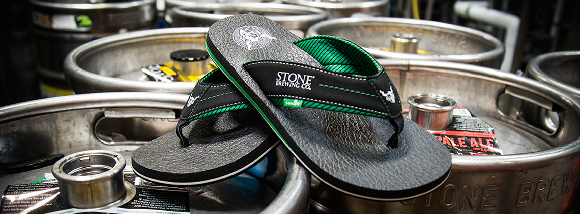Hoppy Holidays: Sanuk & Stone Brewing Beer Cozy